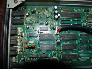 Yamaha FB-01 - PCB